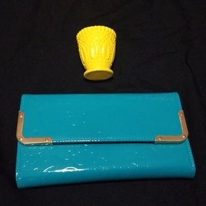 Handbags - Beautiful Faux Patent Leather Clutch NWOT